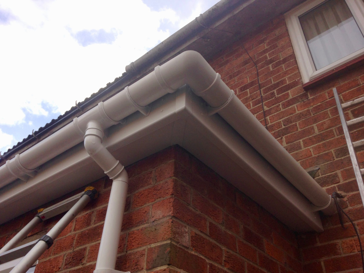 white-fascias-guttering-lincoln - 1
